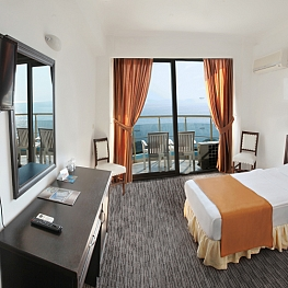 Seaview Room<br>